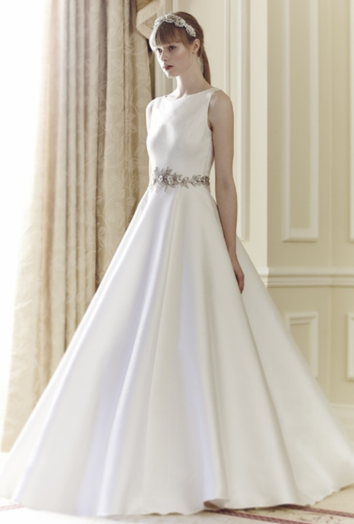 Váy cưới đơn giản vẫn đẹp lộng lẫy - 16