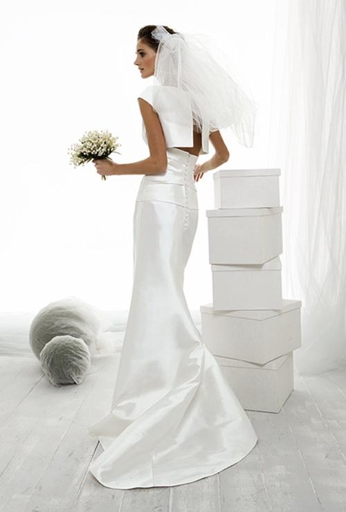 Váy cưới đơn giản vẫn đẹp lộng lẫy - 14