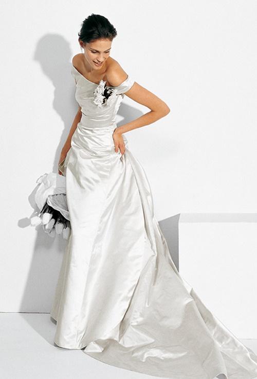 Váy cưới đơn giản vẫn đẹp lộng lẫy - 2