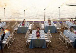 Cách sắp xếp tiệc khi cưới dưới bãi biển