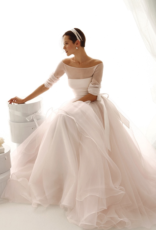 Váy cưới đơn giản vẫn đẹp lộng lẫy - 8