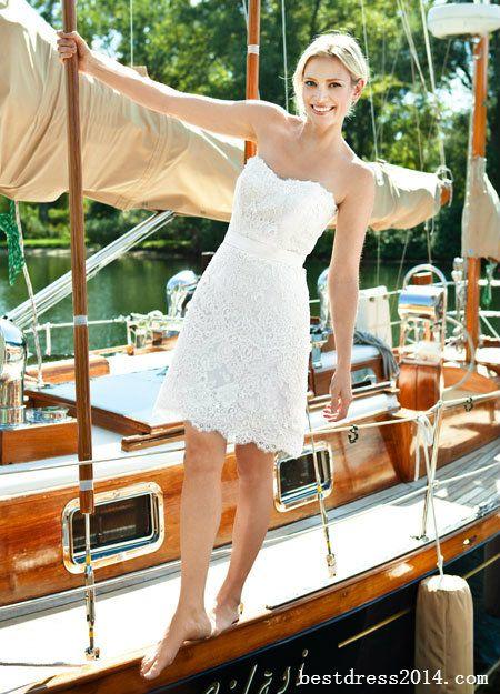 """Bí kíp giúp cô dâu """"tỏa sáng"""" cùng váy cưới ngắn 2"""