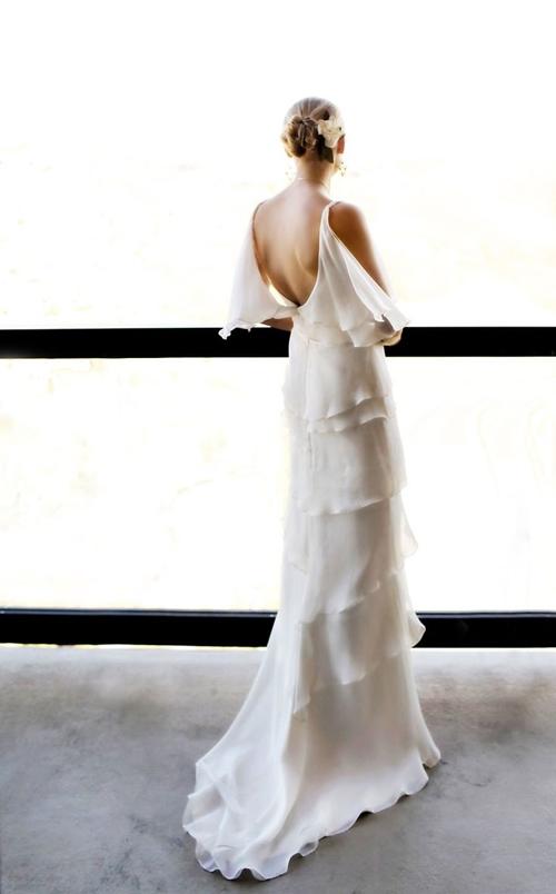 Váy cưới đơn giản vẫn đẹp lộng lẫy - 13