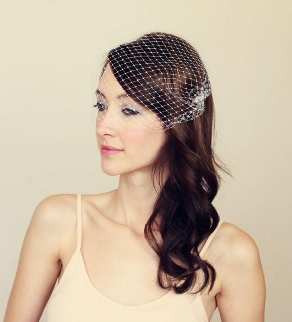 Đây là phụ kiện tuyệt vời giúp các cô dâu tạo nên kiểu tóc cưới đẹp