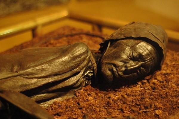 Bí ẩn hiện tượng xác chết không phân hủy 4