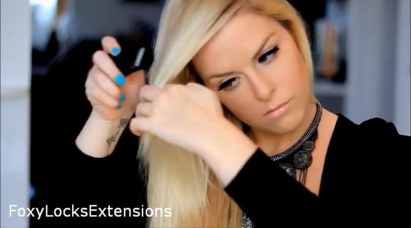 """Học cách làm tóc xoăn mái lệch - kiểu tóc """"ruột"""" quyến rũ của Hồ Ngọc Hà 9"""