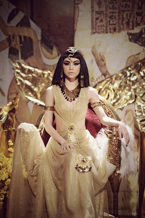 Sao Việt đưa trào lưu tóc Cleopatra trở lại 9