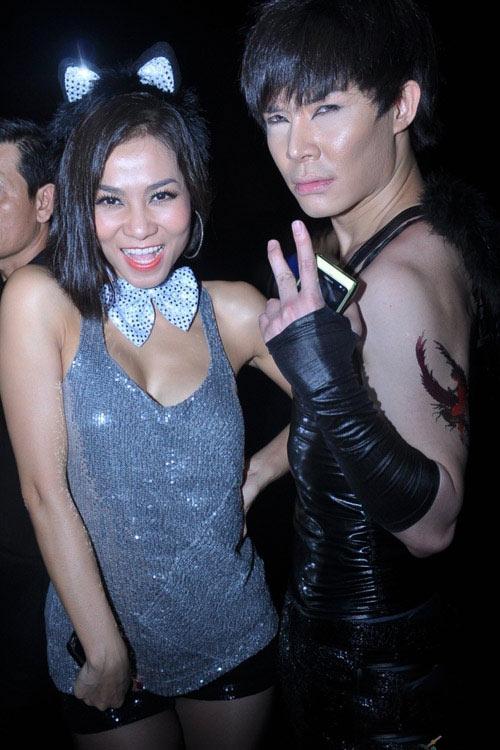 Những bộ cánh 'đóng mác' Halloween của sao Việt - 13