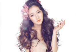6 cách giữ nếp tóc xoăn đẹp tự nhiên