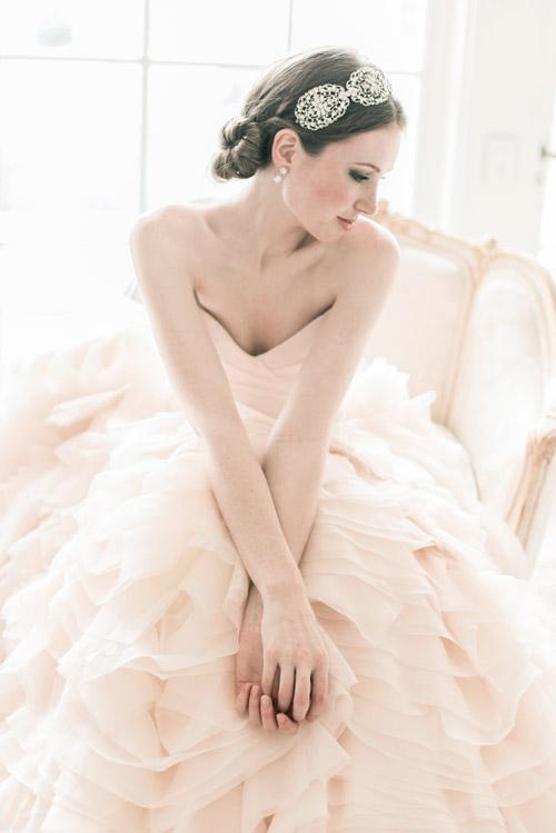 Bí quyết làm đẹp cho cô dâu cưới vào mùa lạnh 3