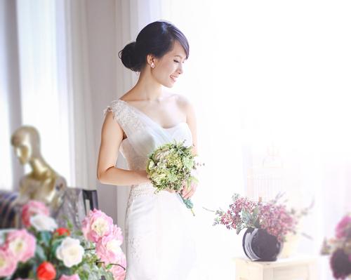 4 mẫu váy 'cứu tinh' cho cô dâu ngực lép - 8