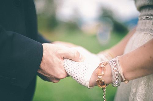 Găng tay ren tinh tế, thanh lịch cho cô dâu - 6