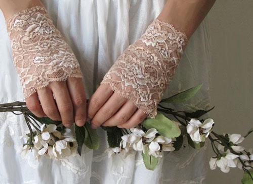 Găng tay ren tinh tế, thanh lịch cho cô dâu - 4