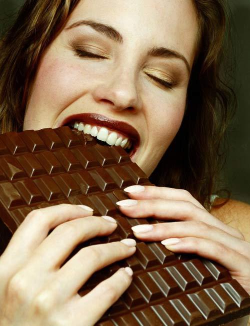 Bầu ăn socola đen để con hay cười - 4
