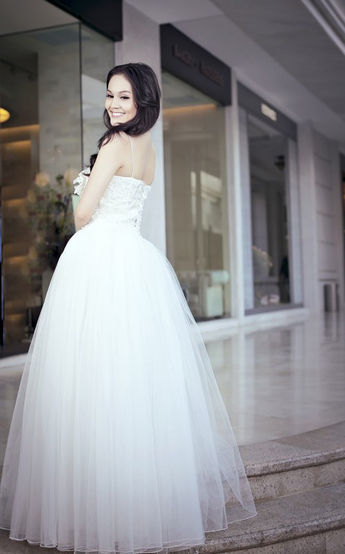 Áo cưới lộng lẫy cho nàng dâu trẻ - 2
