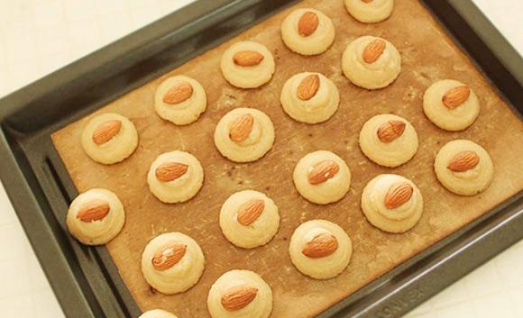 Cách làm bánh quy Amaretti kiểu Ý ngon tuyệt | Món ăn ngon,Bánh quy Amaretti