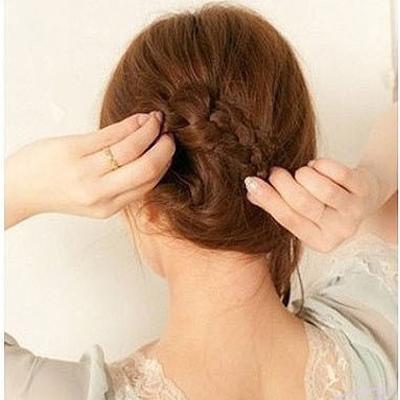 buoc51jpg1369360578 2 kiểu tóc đẹp dành cho bạn tham khảo trong ngày hè