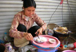 Thưởng thức món bún đậu, mắm tôm Hà Nội