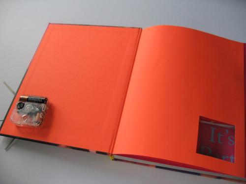 Cách làm đồng hồ trong bìa sách