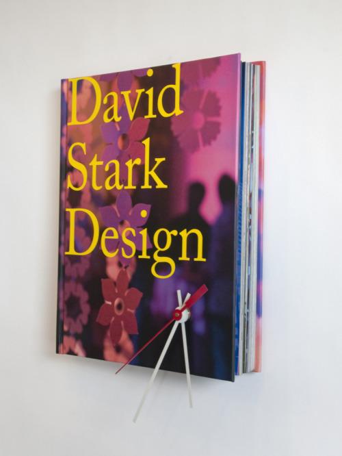 cách làm DIY đồng hồ trong quyển sách
