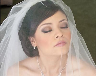 Giữ lớp trang điểm lâu trôi trong ngày cưới
