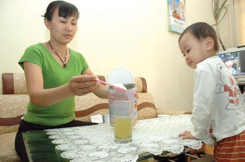 Pha sữa cho trẻ cần chú ý gì?, Làm mẹ, pha sua cho tre, pha sua cho be, pha sua cho con, pha sua, nuoi con, lam me