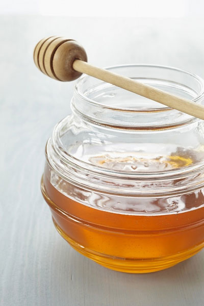 Mật ong không những có tác dụng giải độc cho cơ thể mà còn có tác dụng làm đẹp.