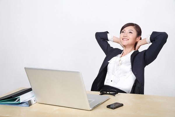 Bí quyết chăm sóc ngực cho chị em văn phòng