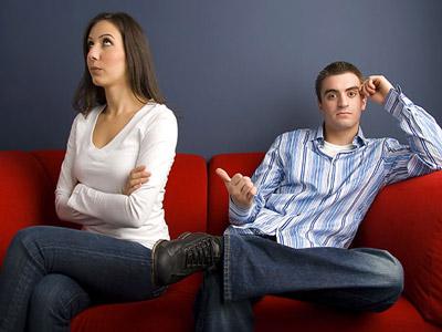 Nghịch lí của những cặp đôi chưa quen