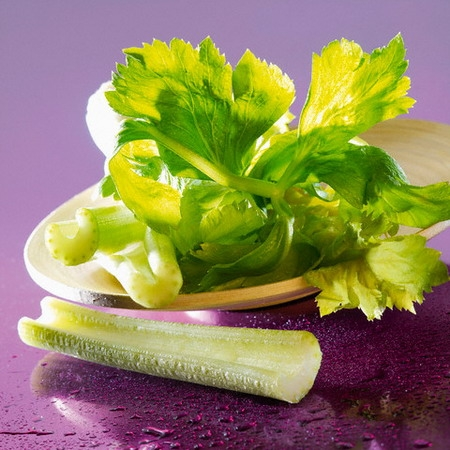 Không nên để rau xanh quá lâu.