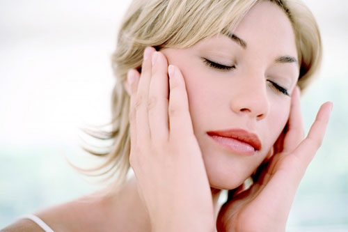 Hướng dẫn chăm sóc da khi bị dị ứng mỹ phẩm