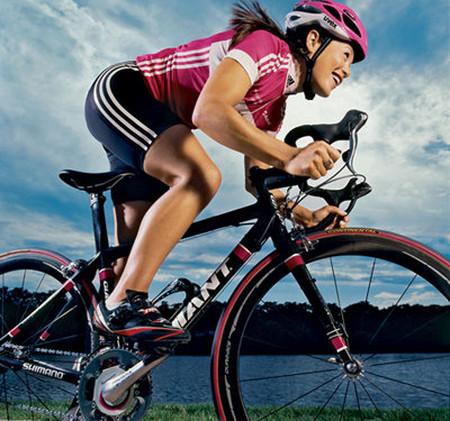 Đi xe đạp giúp cơ thể dẻo dai, khỏe đẹp