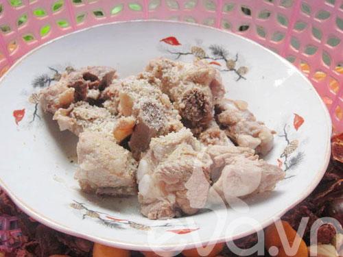 Canh hạt dẻ củ sen nấu sườn - 2