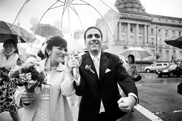 Làm đám cưới mùa mưa