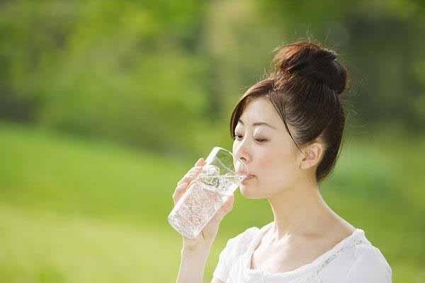5 lý do uống nước lọc giúp bạn khỏe mạnh | nước lọc,trao đổi chất,tốt cho tiêu hóa,dinh dưỡng,bí quyết phòng bệnh,dịch tễ