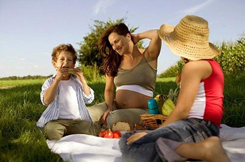 Lưu ý cần thiết khi ăn trái cây lúc mang bầu, Bà bầu, ba bau an, ba bau an trai cay, suc khoe ba bau, mang thai, mang bau,