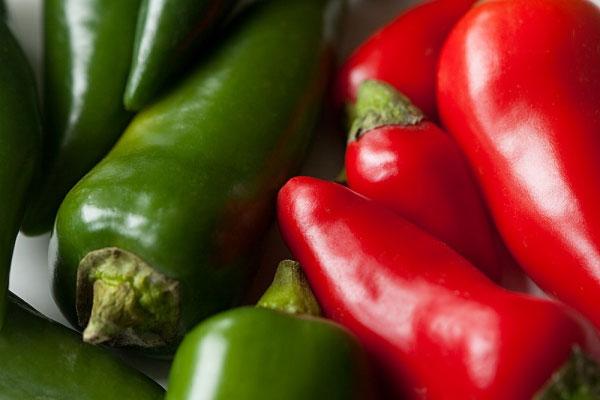 Trong ớt có chứa các hoạt chất giúp tăng mức endorphin, giúp bạn có được tâm trạng vui vẻ.
