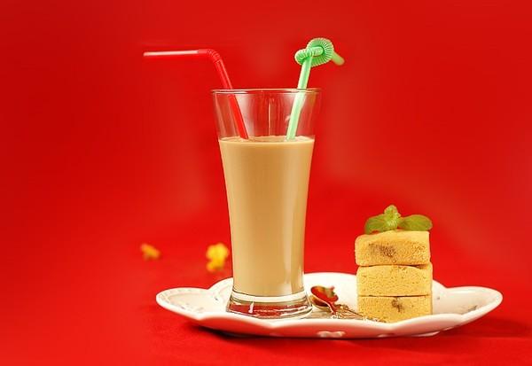 Cách pha trà sữa cà phê đậm đà thơm ngon 7