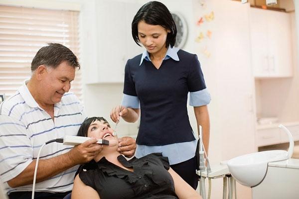 Nên được khám Tai mũi họng định kỳ mỗi 6 tháng để phát hiện bệnh sớm.