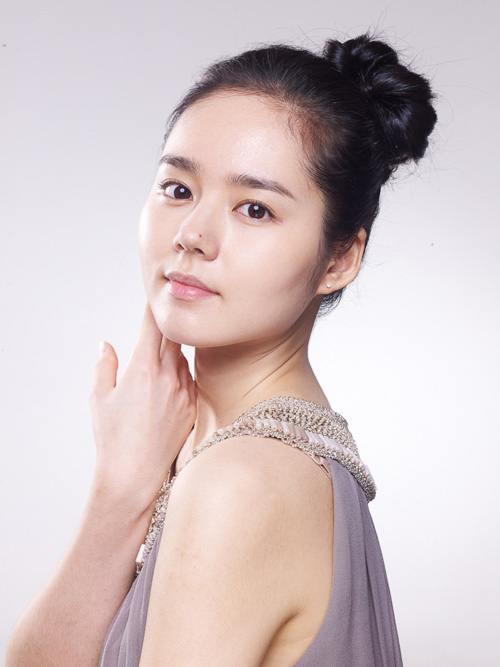 Bí quyết đẹp 'không tuổi' của Han Ga In - 10