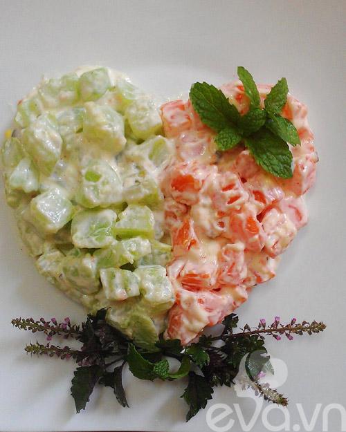 Làm salad su su và cà rốt màu sắc