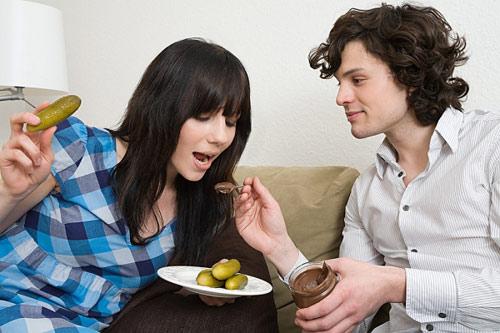 Làm sao để kiềm chế cơn nghén ăn của thai phụ