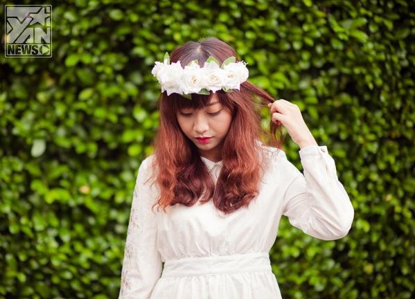 Dạo phố cuối thu cùng sắc trắng với cô nàng đa phong cách