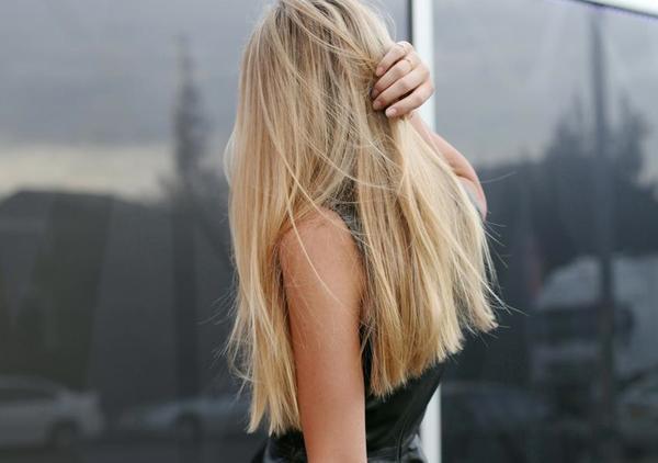 Bí quyết trang điểm và làm tóc nhanh ngày mưa