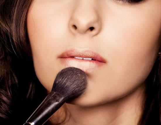 Trang điểm để có đôi môi gợi cảm như Angelina Jolie | Angelina Jolie,bí quyết có đôi môi đẹp như Angelina Jolie,trang điểm môi như Angelina Jolie