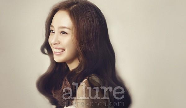 Trang điểm cho khuôn mặt mí mắt lồi đẹp như Kim Tae Hee 16