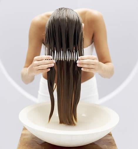 4 cách dưỡng tóc mềm mượt thần kỳ siêu đơn giản