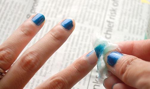 tẩy sơn móng tay