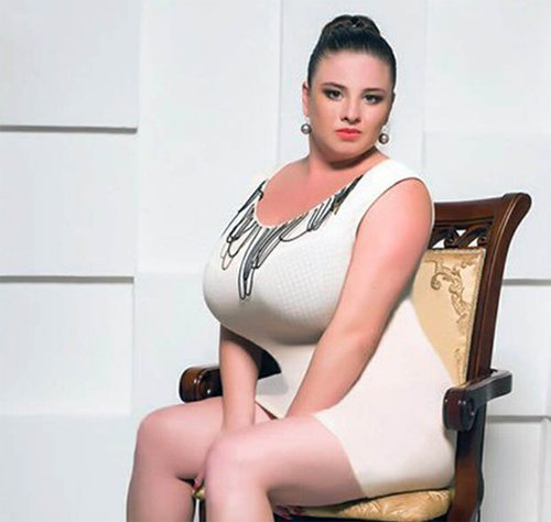 người mẫu ngực