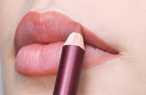 cách đánh son môi